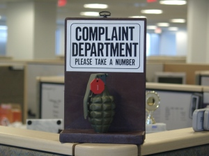 00282_please_complain_here